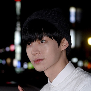 韓国 人気俳優 アン・ジェヒョン プロフィール 画像付
