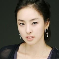 韓国 人気女優 イ・ダヒ プロフィール 画像付