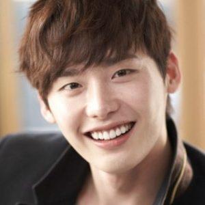 韓国 人気俳優 イ・ジョンソク プロフィール 画像付