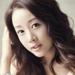 韓国 人気女優 ユン・ソナ プロフィール 画像付